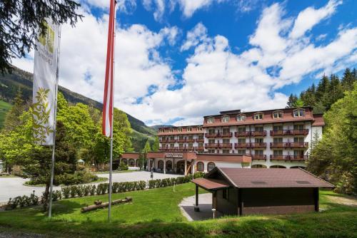 . Alpenhotel Weitlanbrunn