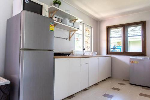 F4 Beach house Kitchen BBQ 3 bedrooms Large yard F4 Beach house Kitchen BBQ 3 bedrooms Large yard