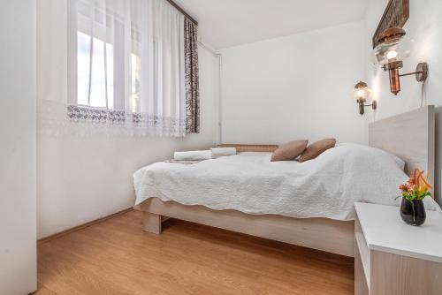 Apartamento de 1 Quarto (One-Bedroom Apartment)