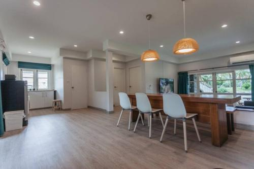 F5 3 Bed Rooms Beach house, full