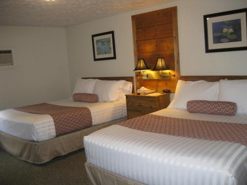 Фото отеля Boyne City Motel
