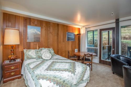East Condo #208 - Hotel - Girdwood