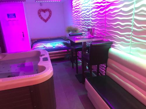 Gites N Spa Les Bains Lounge In Tourcoing France Reviews