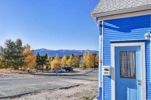 . High Mountain Blue - Rustic & Charming, family friendly