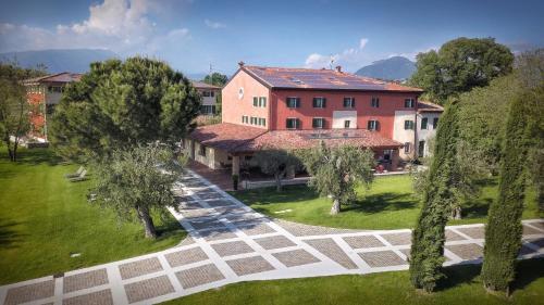 . Borgo Romantico Relais