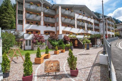 Al Sole Clubresidence - Accommodation - Canazei di Fassa