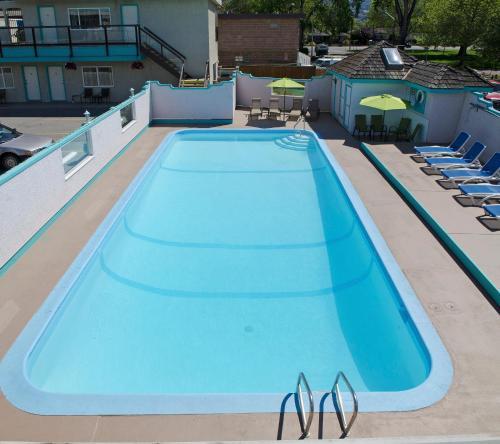 Tiki Shores Condominium Beach Resort - Photo 2 of 75