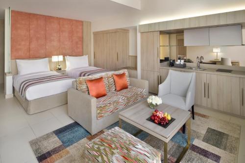 Mövenpick Hotel Tahlia Jeddah rom bilder