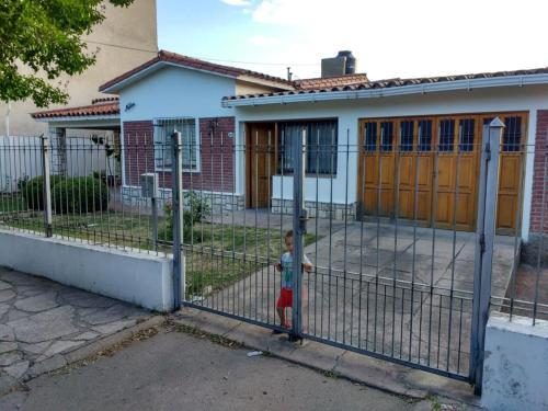 casa a 2 cuadras de costanera carlos paz