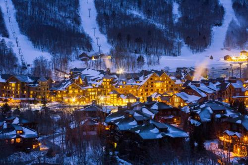 The Lodge at Spruce Peak, a Destination by Hyatt Residence - Accommodation - Stowe