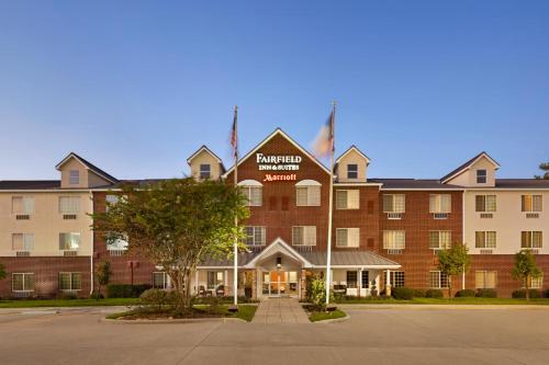 . Fairfield Inn and Suites by Marriott Houston The Woodlands