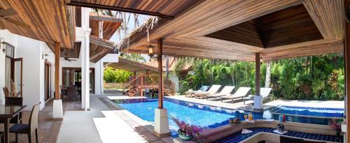 Beachfront Resort Villa Baan Oasis 3BR Beachfront Resort Villa Baan Oasis 3BR