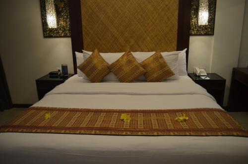 Kamar Deluxe Double atau Twin (Deluxe Double or Twin Room)