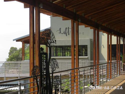 Villa-Candilabra Guesthouse - Photo 8 of 60