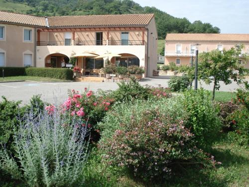 . Hotel Restaurant Les Chataigniers