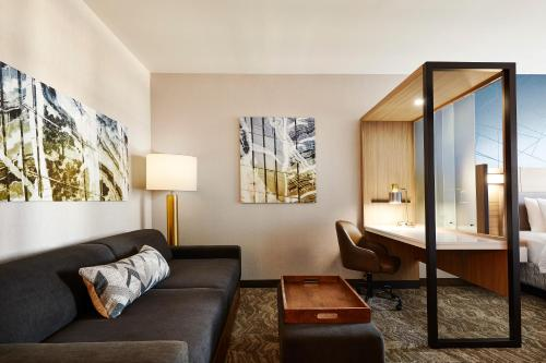 . SpringHill Suites by Marriott Springfield North