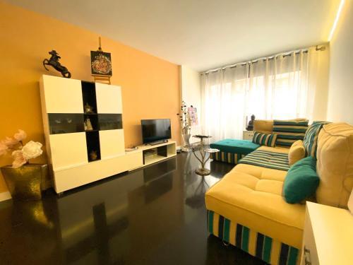 Callaueta, Centro comercial - Apartment - Andorra la Vella