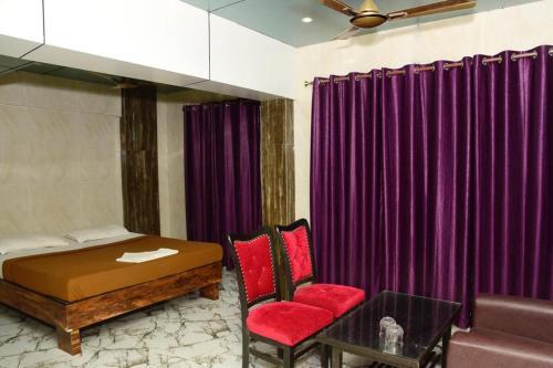 Hotel RK, Palghar