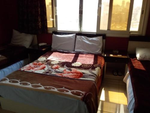 Isis Hostel 2 - image 5