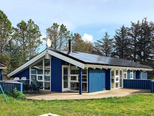 Four-Bedroom Holiday home in Ålbæk 5, Pension in Skram