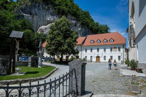 Old Parish House - Accommodation - Bled