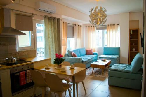 . SUNNY CENTRAL LUXURY APARTMENT