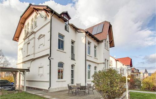 . Stunning apartment in Sondershausen w/ 2 Bedrooms