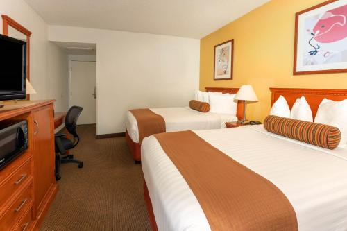 The Loyal Inn Seattle - Seattle, WA WA 98121