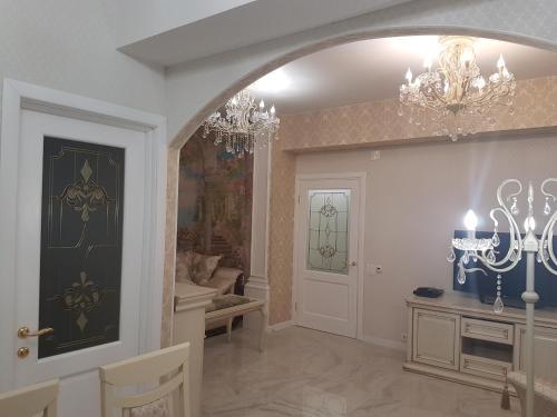 . Apartment Royal Fleur de Lys Королевская Лилия