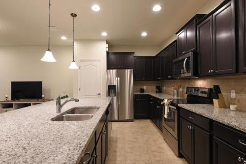 Brand New 5 BR Townhome Main image 2