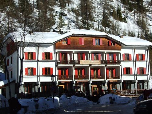 Accommodation in Gargazon