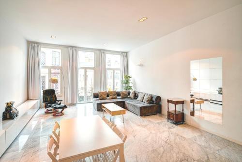 Deluxe Three Bedroom Apartment in the Heart of Antwerp, Pension in Antwerpen