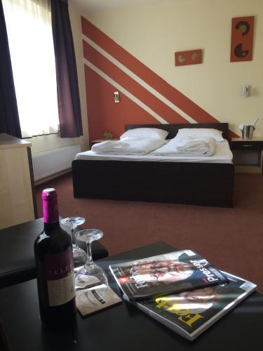 . City Hotel Agoston