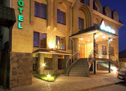. Jolki-Palki Hotel