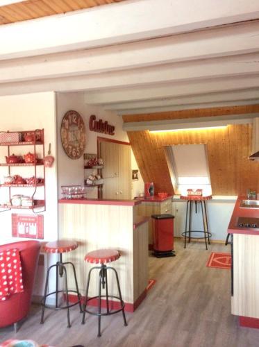 Chalet d'une chambre a Laguiole avec magnifique vue sur la montagne jardin amenage et WiFi - Hotel - Laguiole