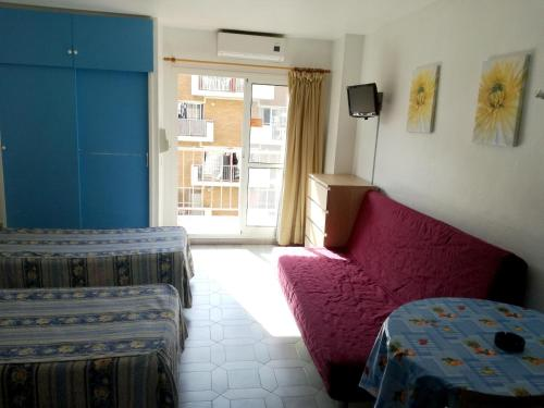 Studio in Benalmadena with wonderful sea view shared pool and furnished balcony 500 m from the beach