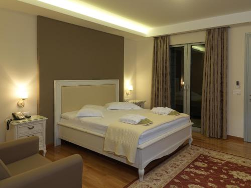 Hondos Classic Hotel And Spa