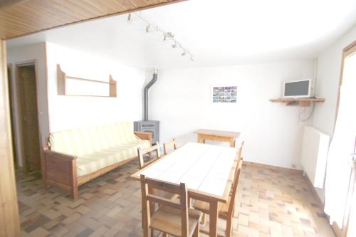 . Apartment with 2 bedrooms in Arvieux with wonderful mountain view enclosed garden and WiFi