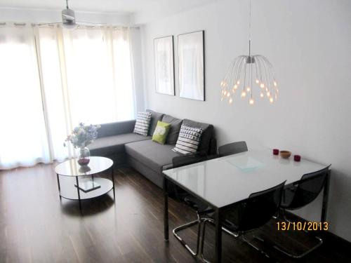 . Apartment with one bedroom in Oliva with furnished terrace and WiFi 2 km from the beach