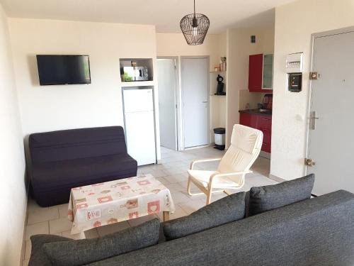 . Apartment with one bedroom in Le Barcares with wonderful sea view and shared pool 3 km from the beach