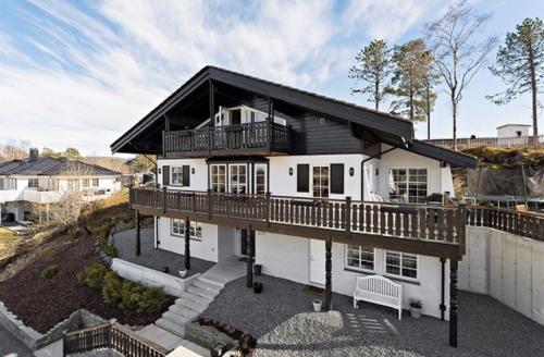 Tyroler Villa Hjellestad - Apartment