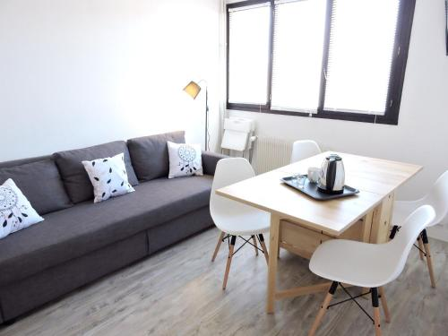 . Apartment with one bedroom in Orleans with WiFi