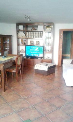 Apartment with 2 bedrooms in Lu Bagnu with enclosed garden 100 m from the beach