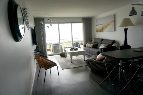 Apartment with one bedroom in Guidel with wonderful sea view shared pool furnished balcony 100 m from the beach