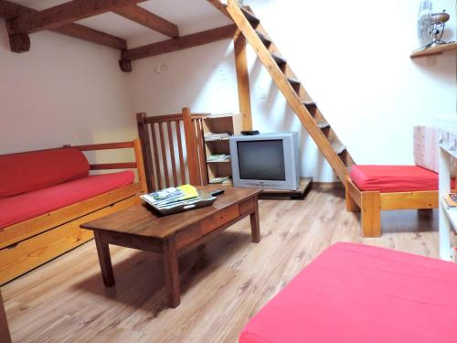 . Apartment with 2 bedrooms in Embrun with WiFi 2 km from the beach