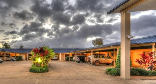 . Tropixx Motel & Restaurant