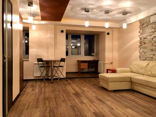 Комфортная Квартира в центре Академгородка