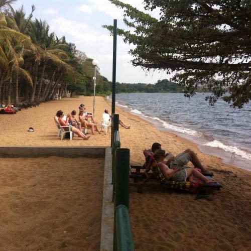 . Tembo Beach Hotel