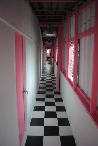 Pink Guest House photo 3
