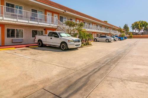 Photo - Rodeway Inn Artesia